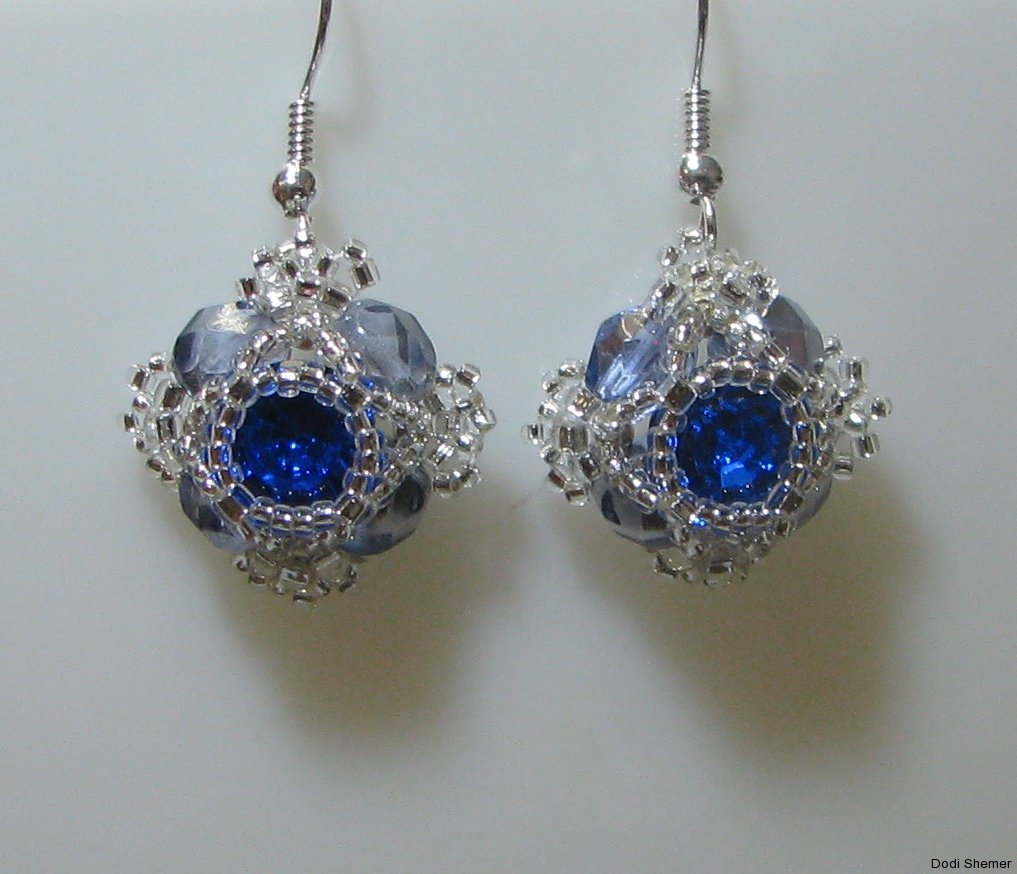 1_earring_small_royal_1_img_6272