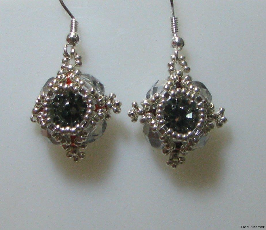 1_earring_small_royal_7_img_6279