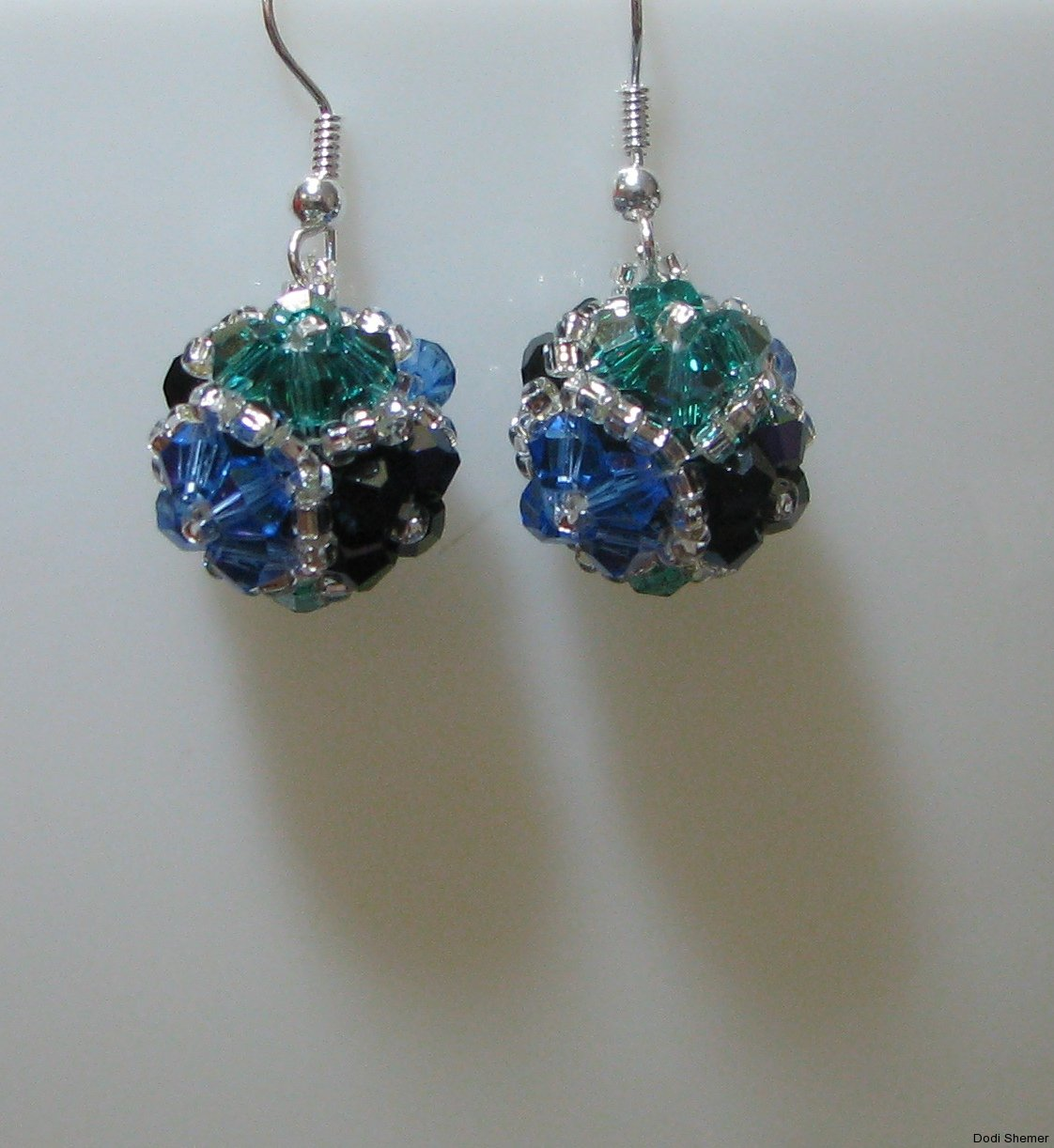 2_earring_dodi_ball_4_img_6267