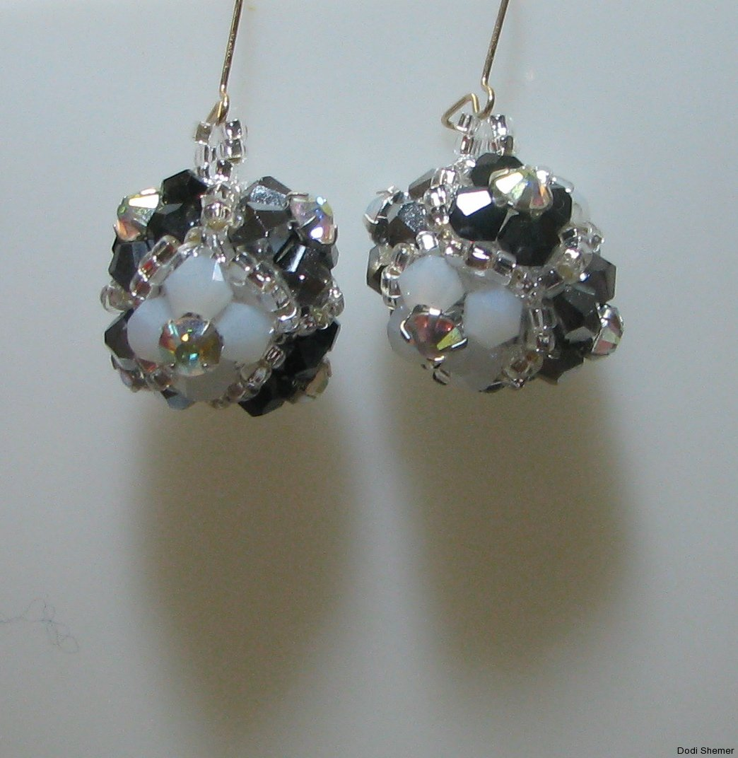 2_earring_dodi_ball_9_img_6326